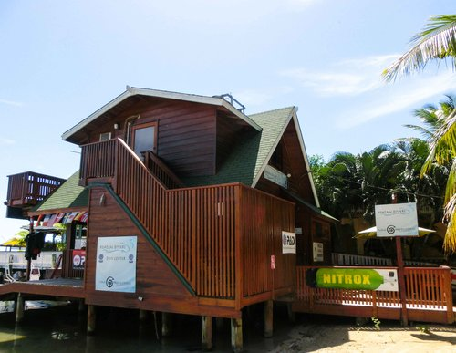 Roatan Divers Dive Shop