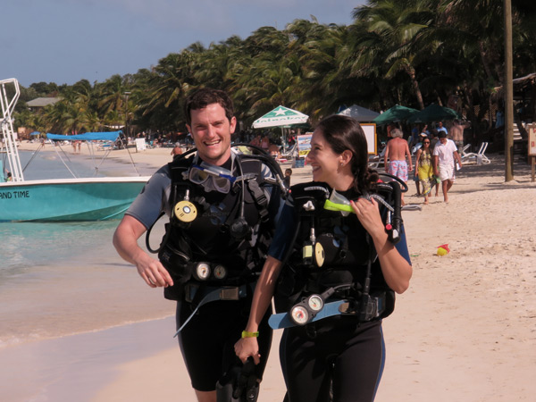 divers west bay roatan