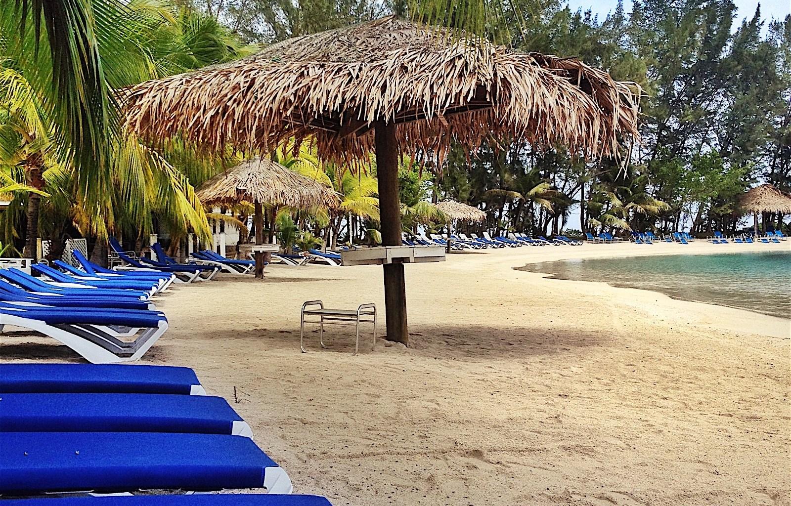 Roatan scuba diving resorts dive hotels roatan diving - Sanom beach dive resort ...
