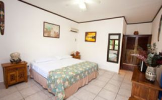 Roatan-splash-inn-room-3