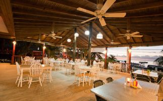 Roatan-splashinn-restaurant-2